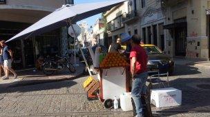 Orange juce seller